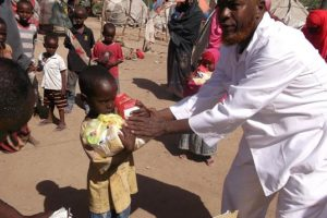 Food distribution for vulnerable children in Somalia